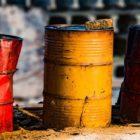 سقوط قیمت نفت و چالشهای پیش روی خامنهای