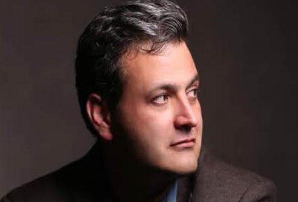 عبدالله مؤمنی فعال مدنی- سیاسی و رئیس سابق تشکیلات دفتر تحکیم وحدت و سخنگوی سازمان دانش آموختگان (ادوار تحکیم وحدت). او بارها به خاطر فعالیتهایش دستگیر و زندانی شده است.